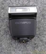 フォーサーズ/マイクロフォーサーズ用ストロボ|OLYMPUS