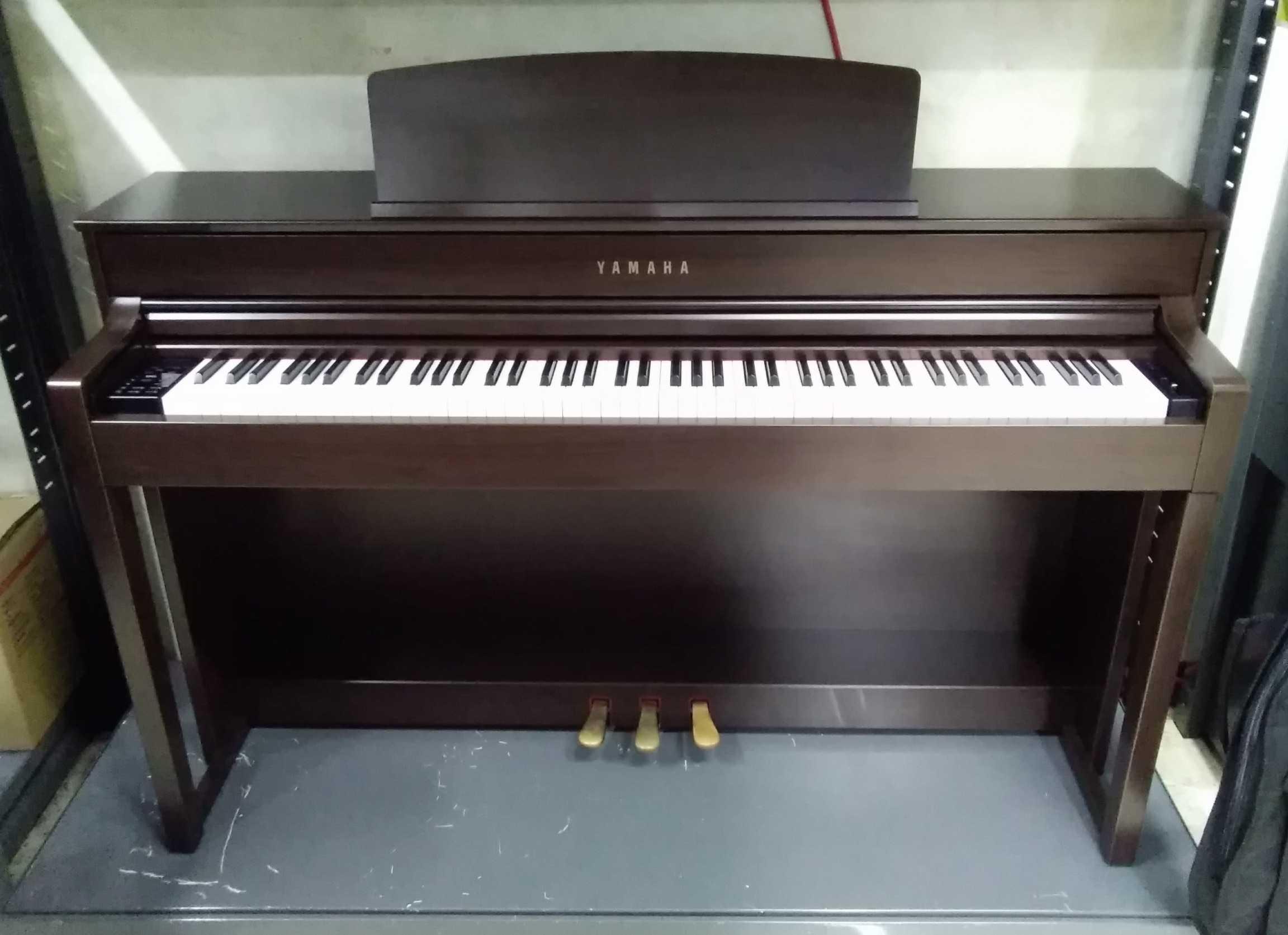 電子ピアノ YAMAHA