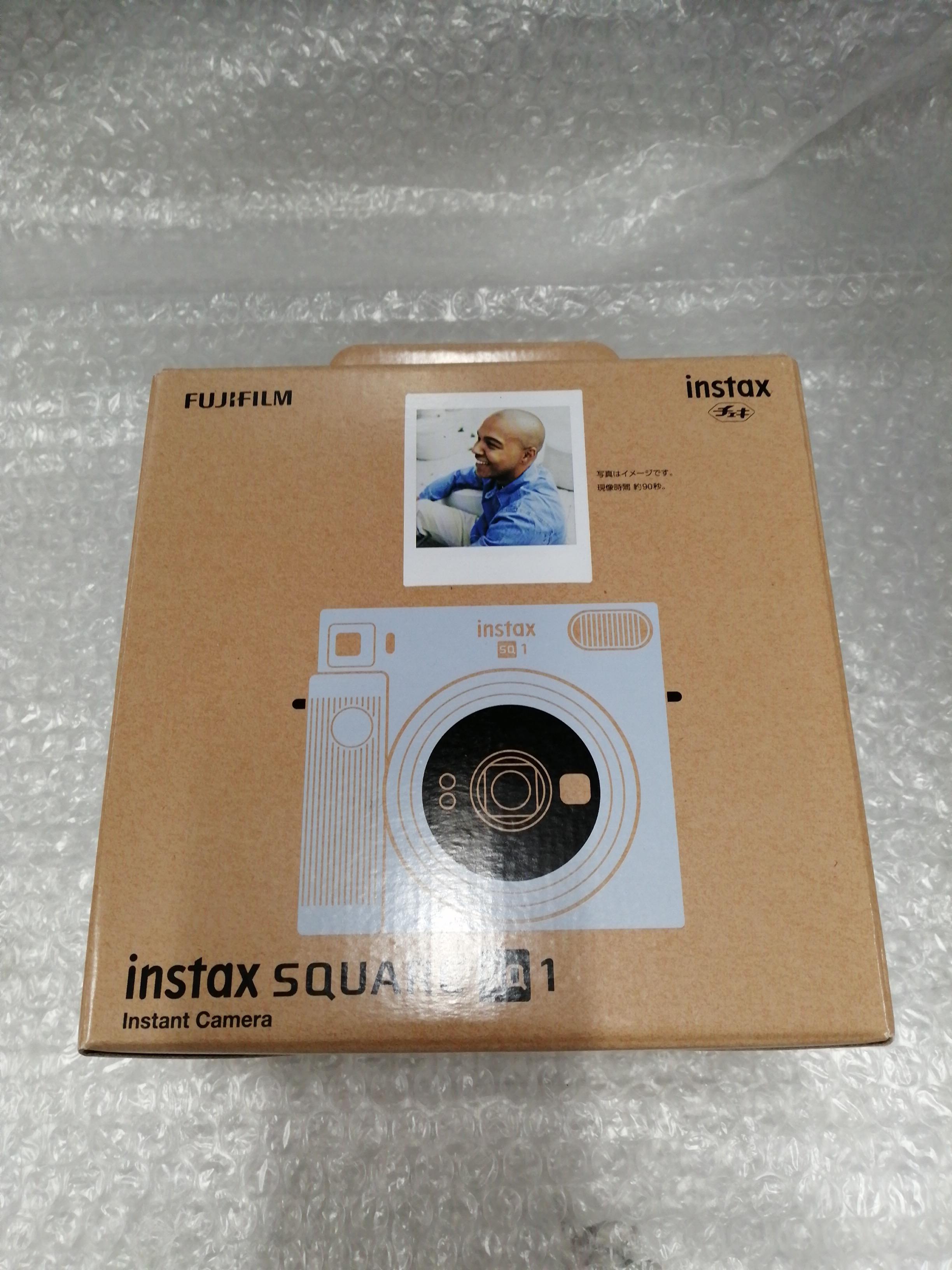 インスタントカメラ FUJIFILM