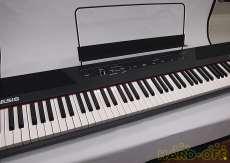 デジタルピアノ ALESIS