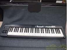 MIDIキーボード M-AUDIO