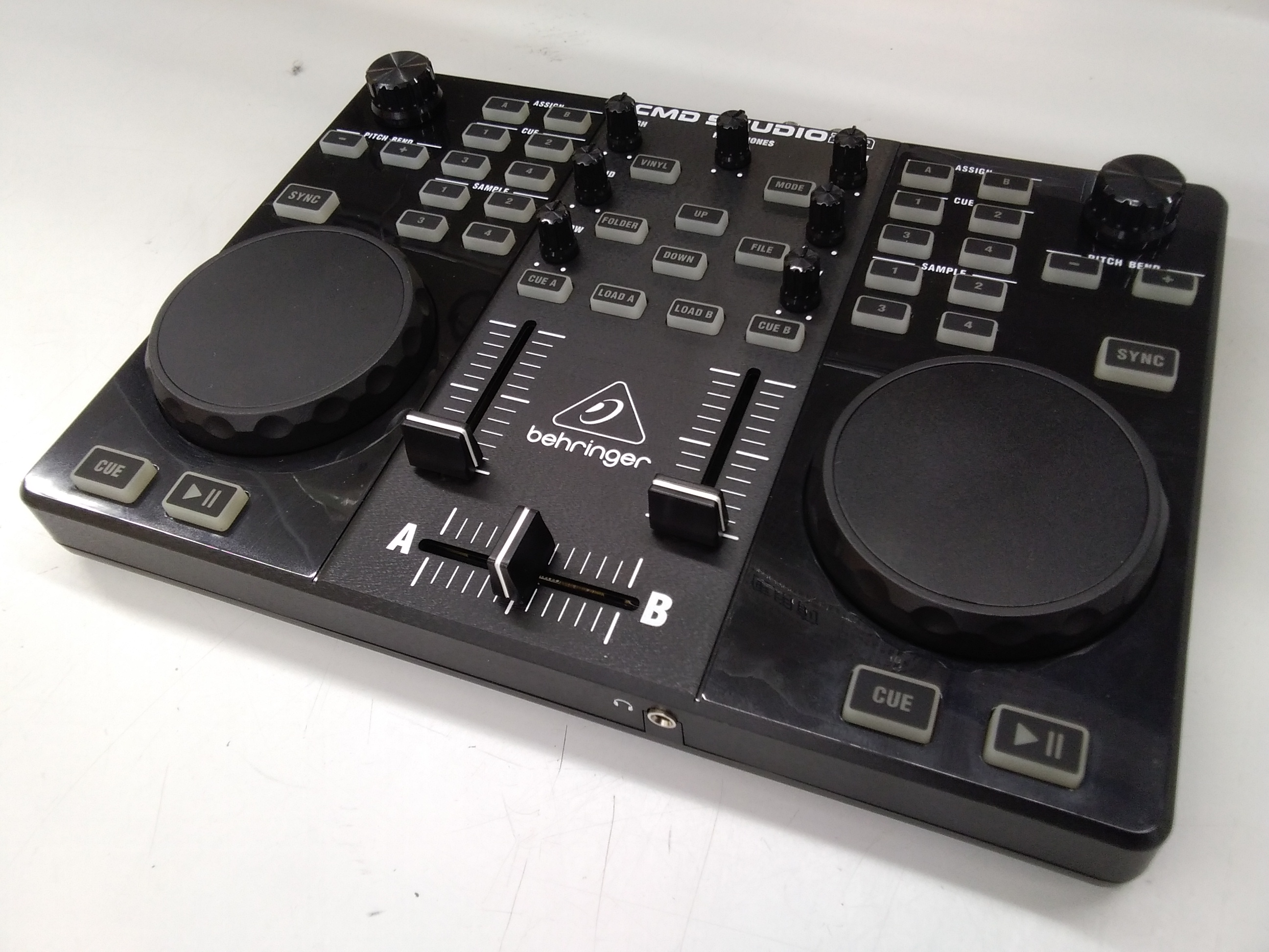 DJコントローラー|BEHRINGER