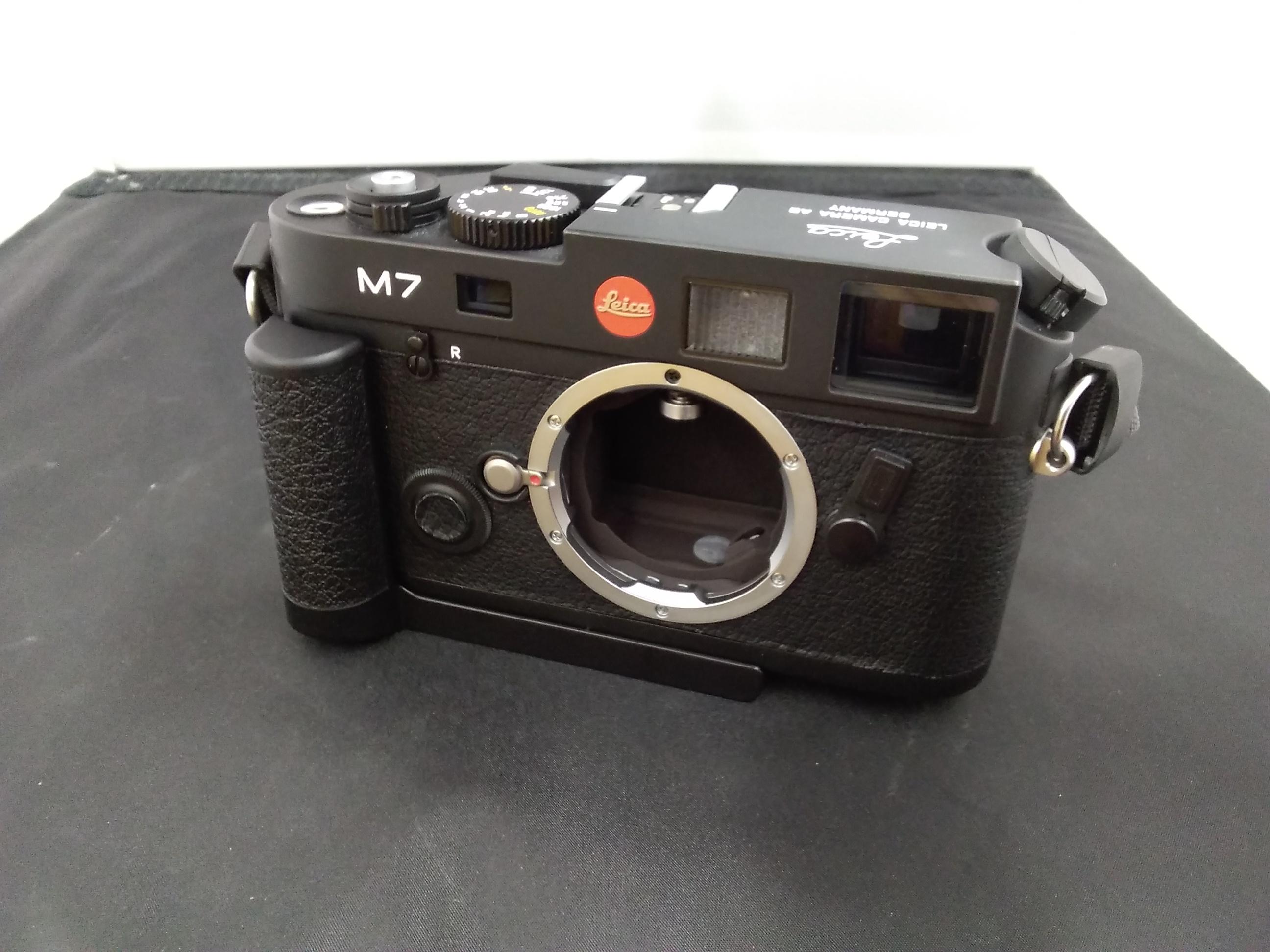 レンジファインダーカメラ|LEICA