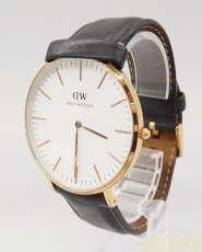 クォーツ・アナログ腕時計|DW