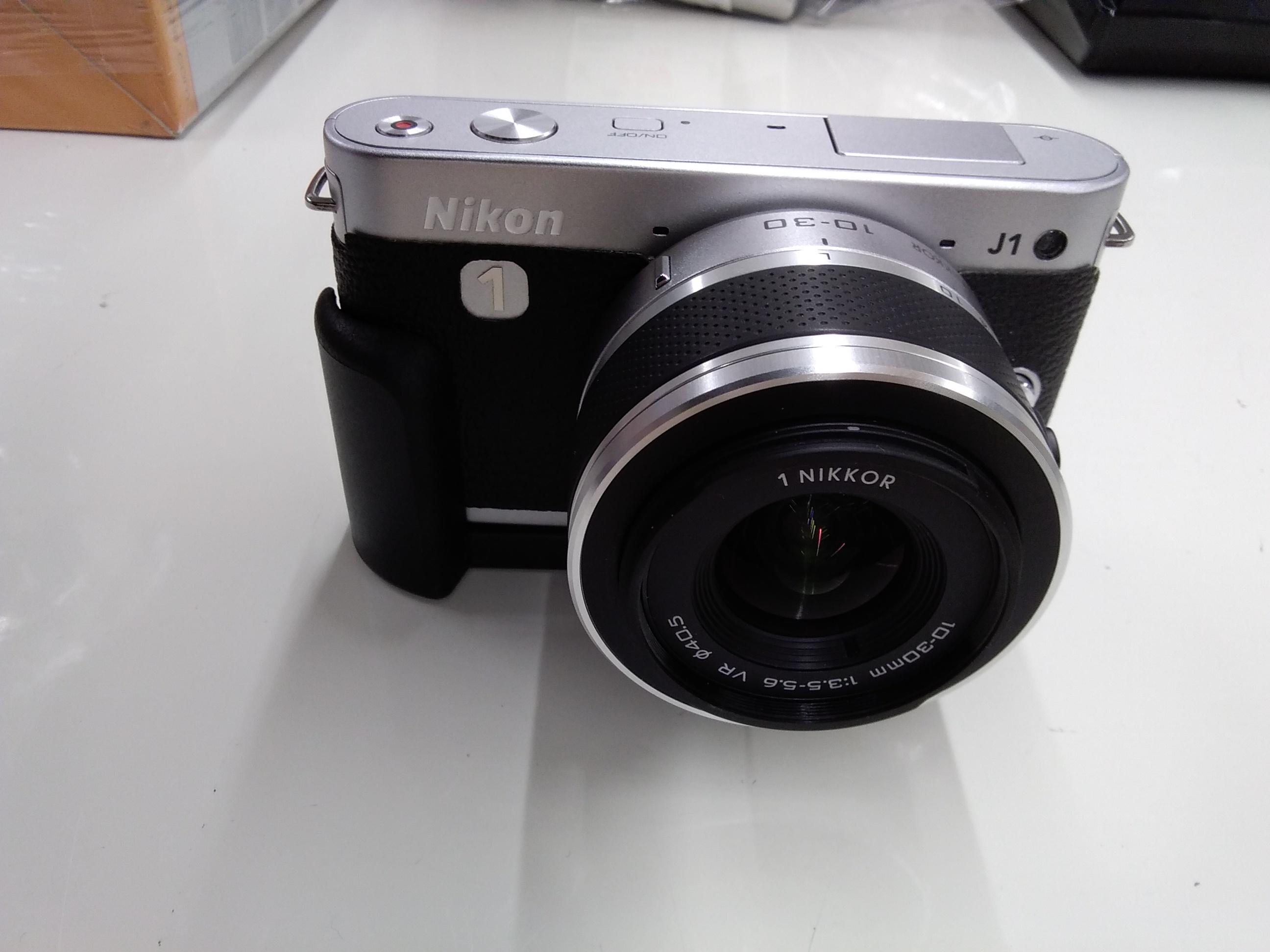 デジタルミラーレス一眼カメラ|NIKON