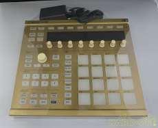MIDIフィジカルコントローラー|MASCHINE