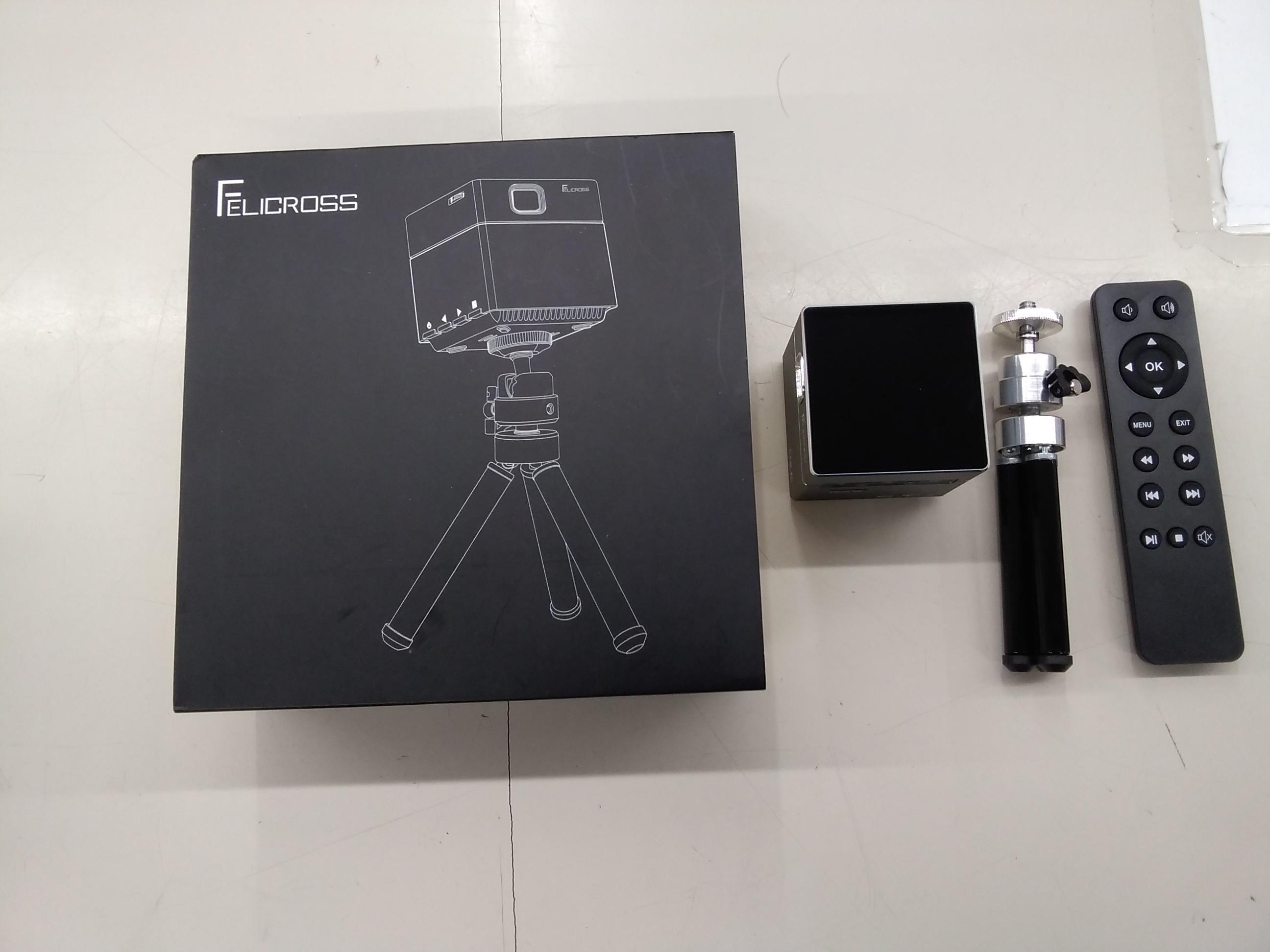 小型プロジェクター PicoCube ピコキューブ|FELICROSS