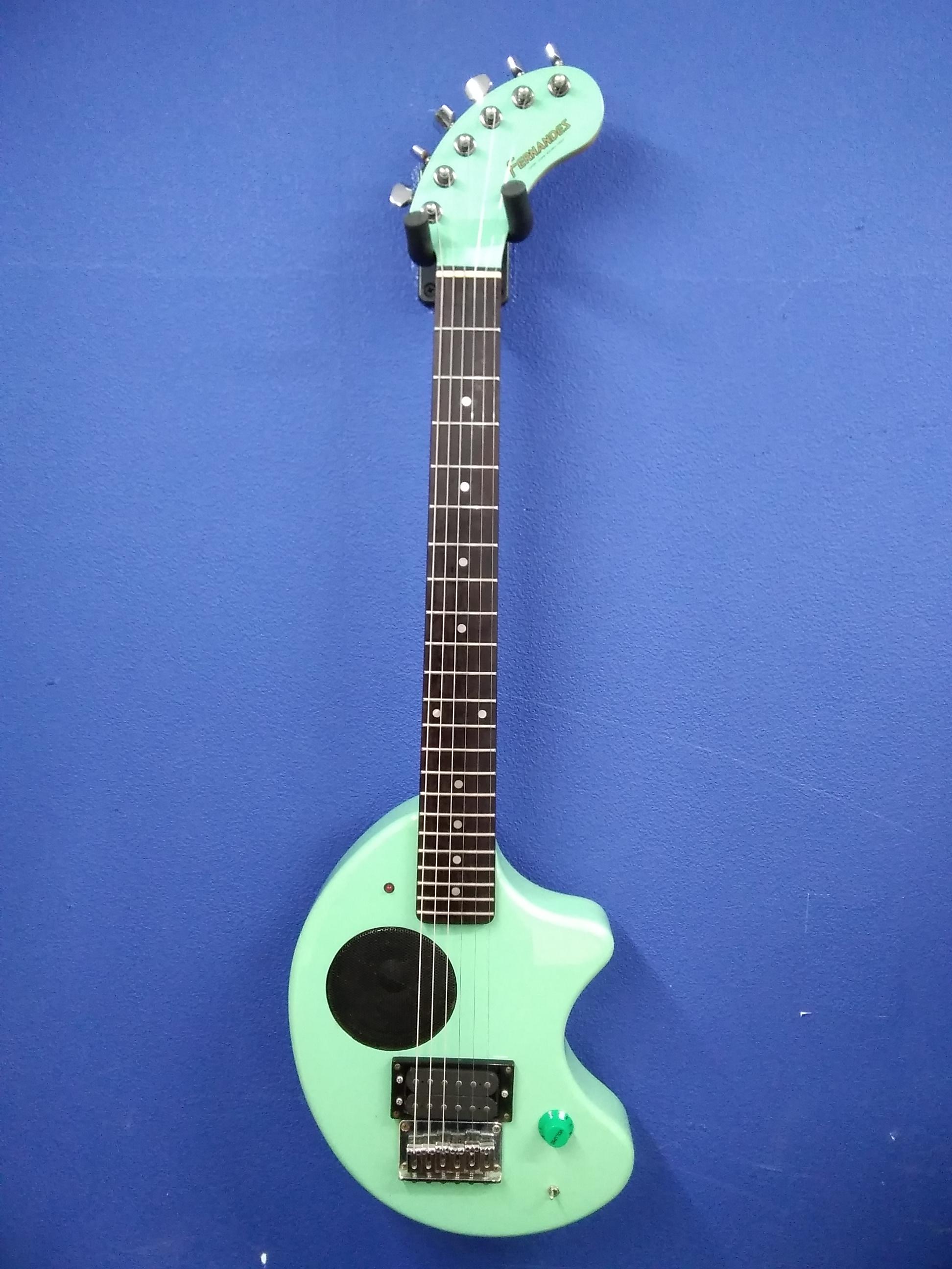 アンプ内蔵ギター ぞうさんギター FERNANDES