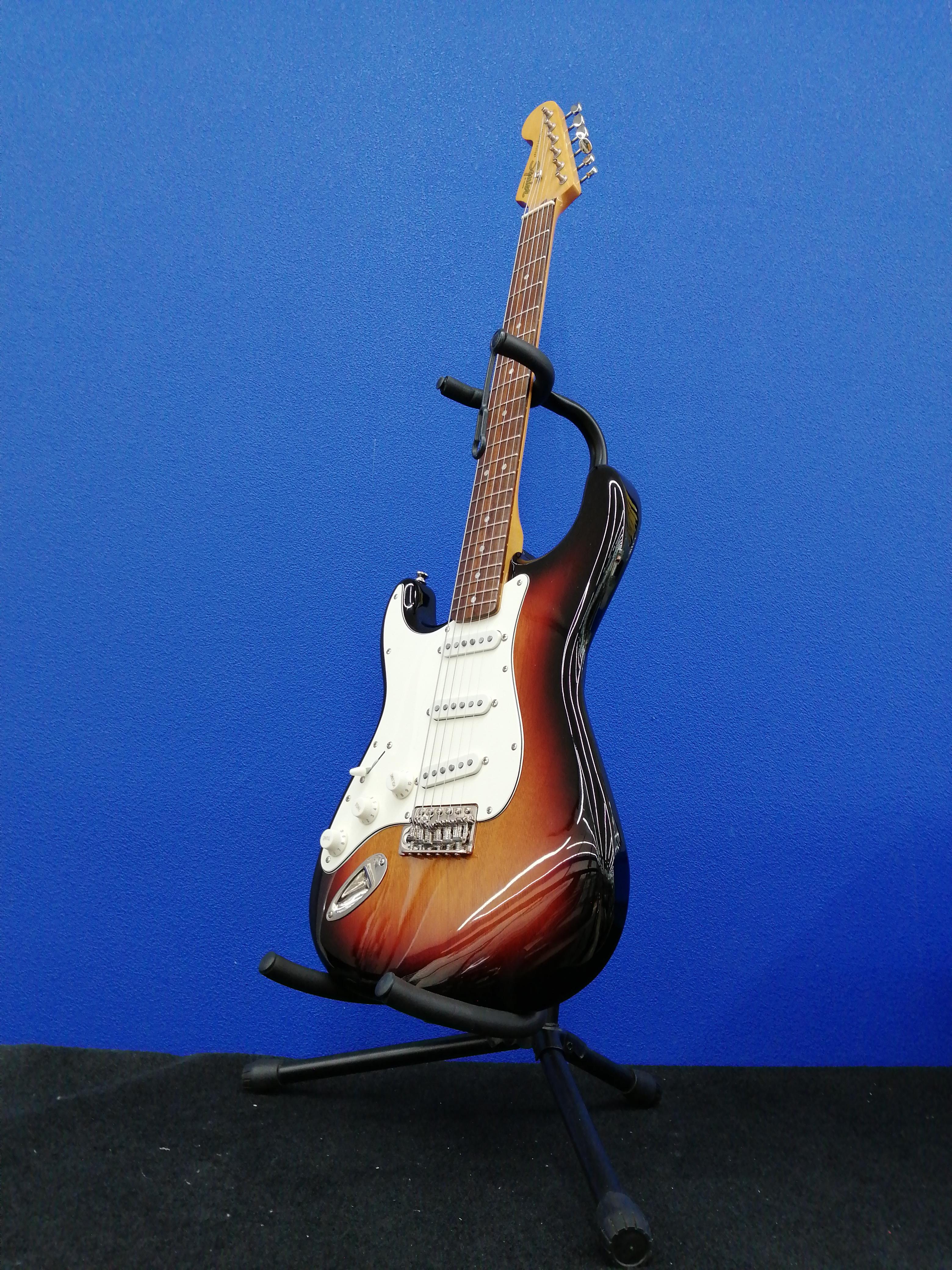 エレキギター ストラトキャスタータイプ|FENDER SQUIER