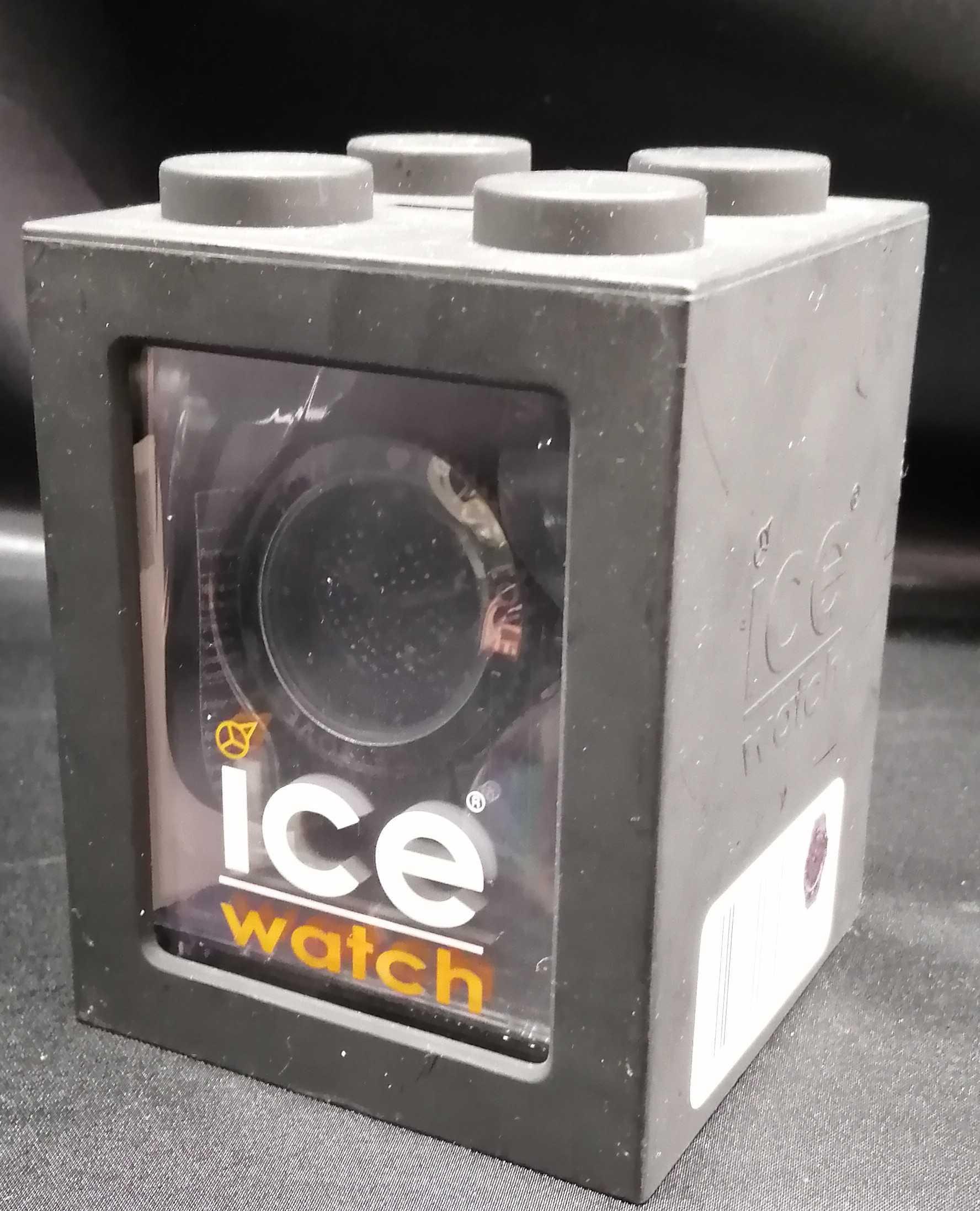ハートを大胆にデザイン!|ICE WATCH