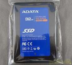 【32GB SSD】 ADATA