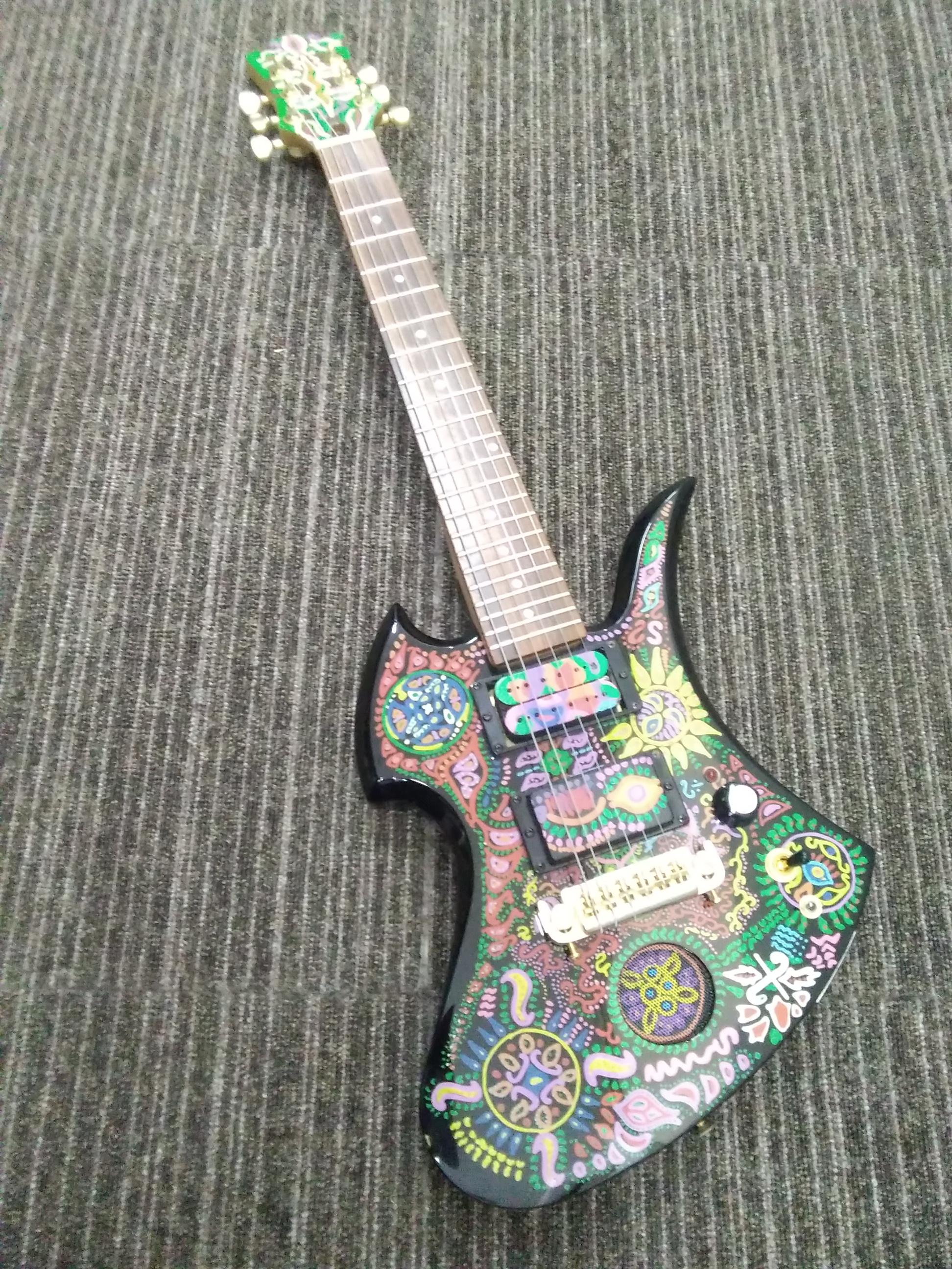 アンプ内蔵ギター/MG-JR FERNANDES