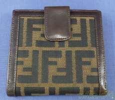 二つ折り財布・ズッカ柄|FENDI
