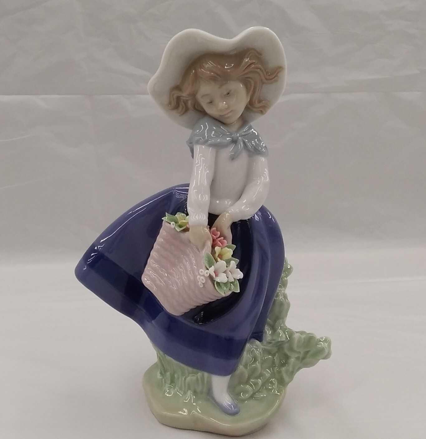 きれいな花ばかり リヤドロ 陶器人形|LLADRO
