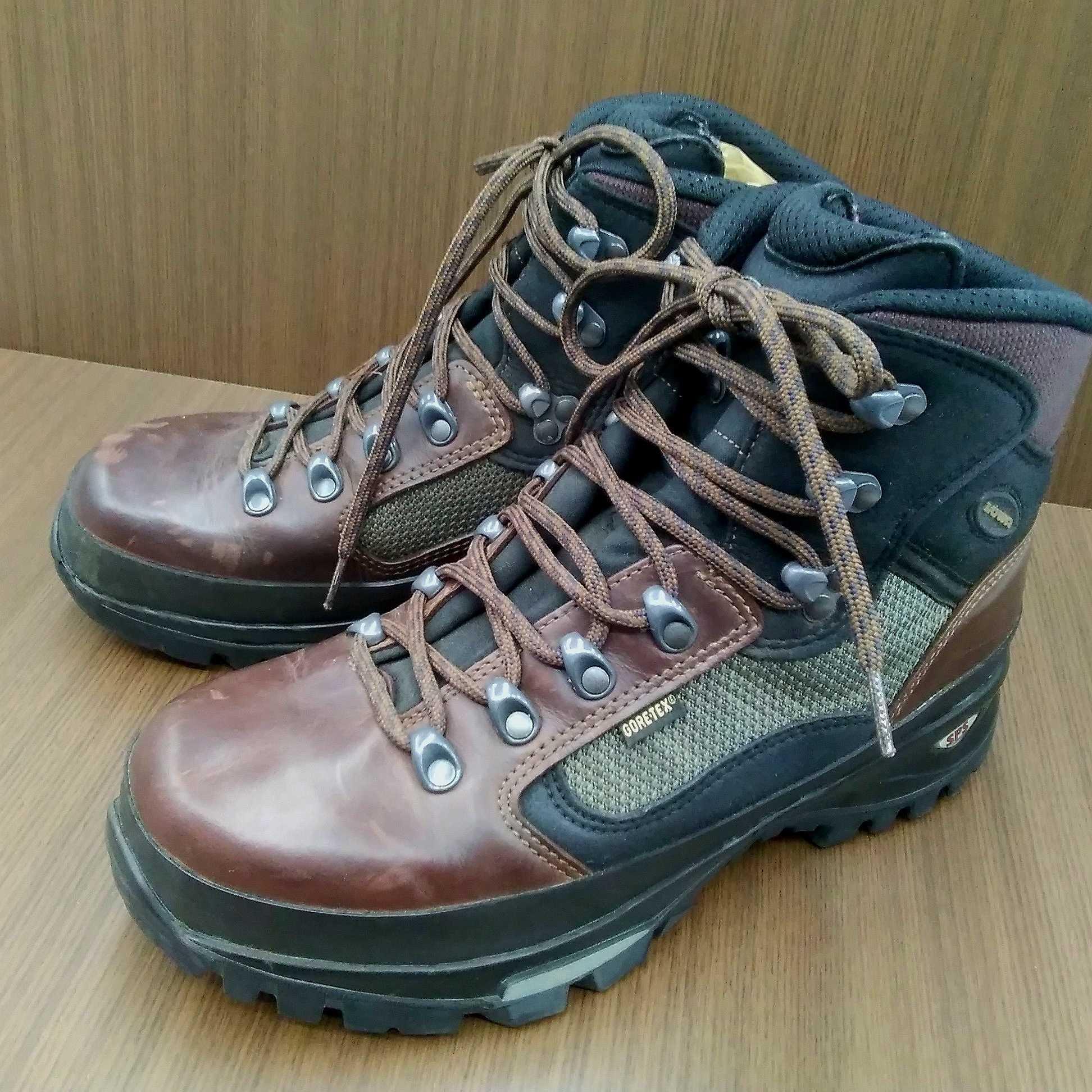 登山靴(27CM)|LOWA