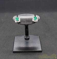 PT900緑色石付きピアス|宝石付きピアス