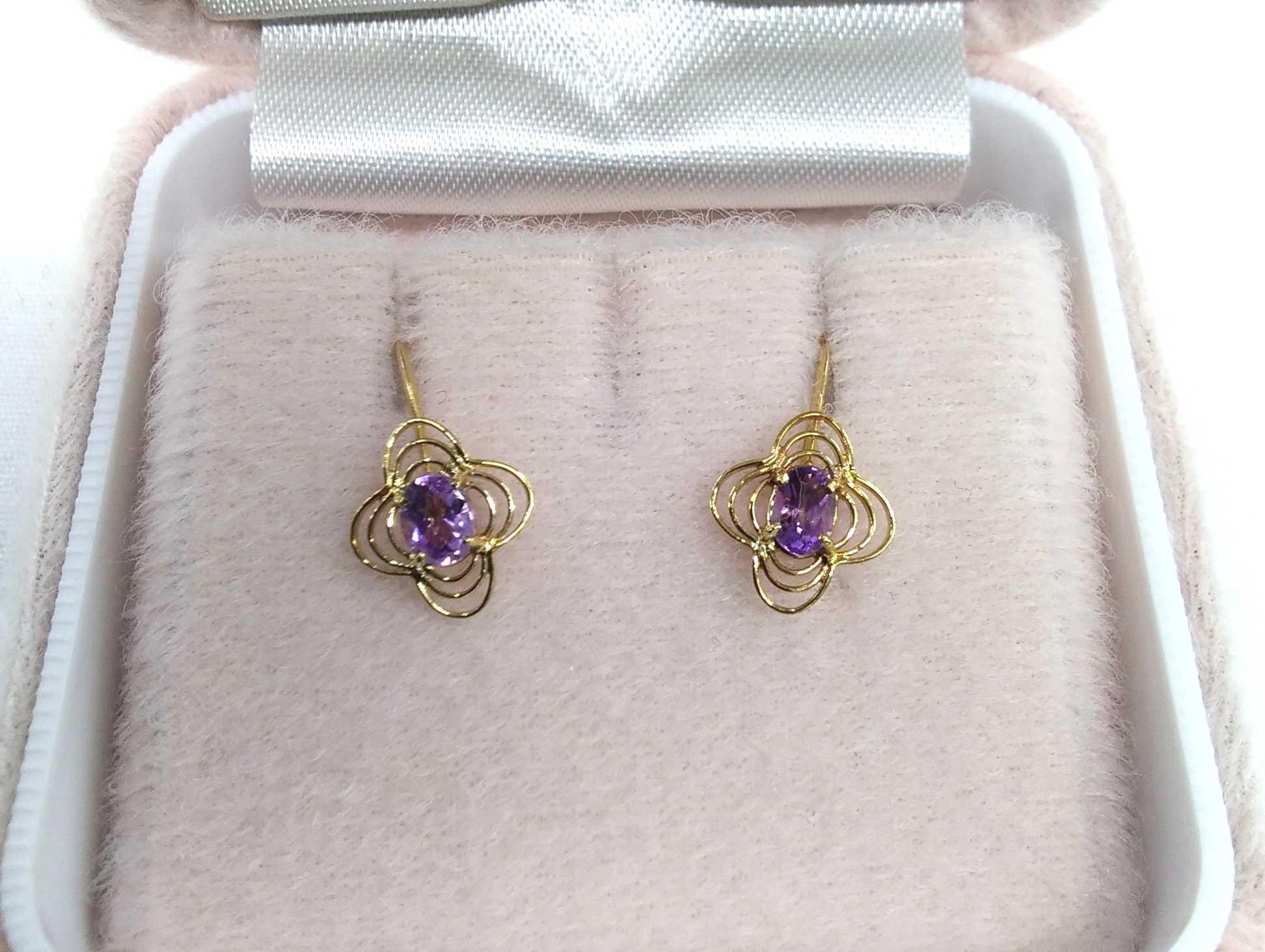 金|宝石付きイヤリング