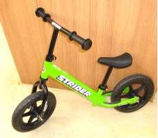 乗用玩具・三輪車 STRIDER