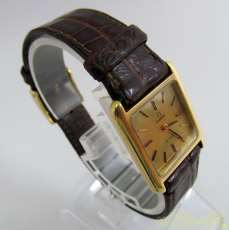 手巻き腕時計