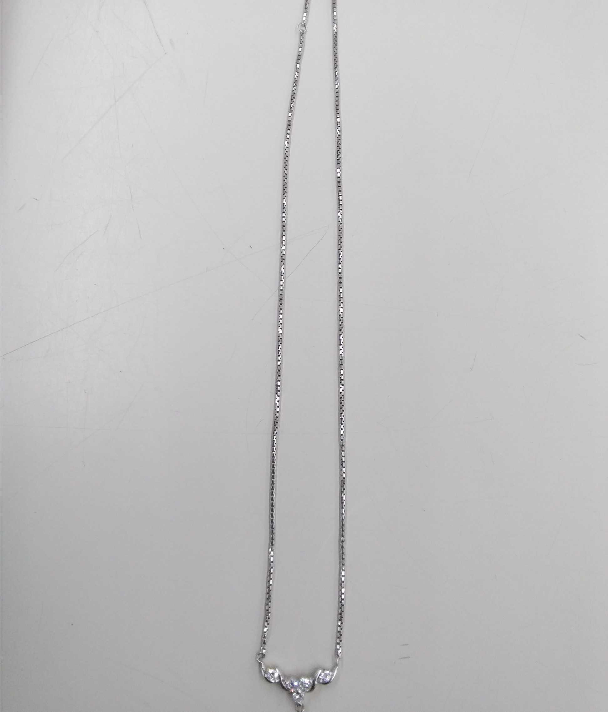 ネックレス(透明石5つ付き)|PT850