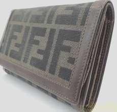 FENDI ズッカ柄二つ折り財布|FENDI