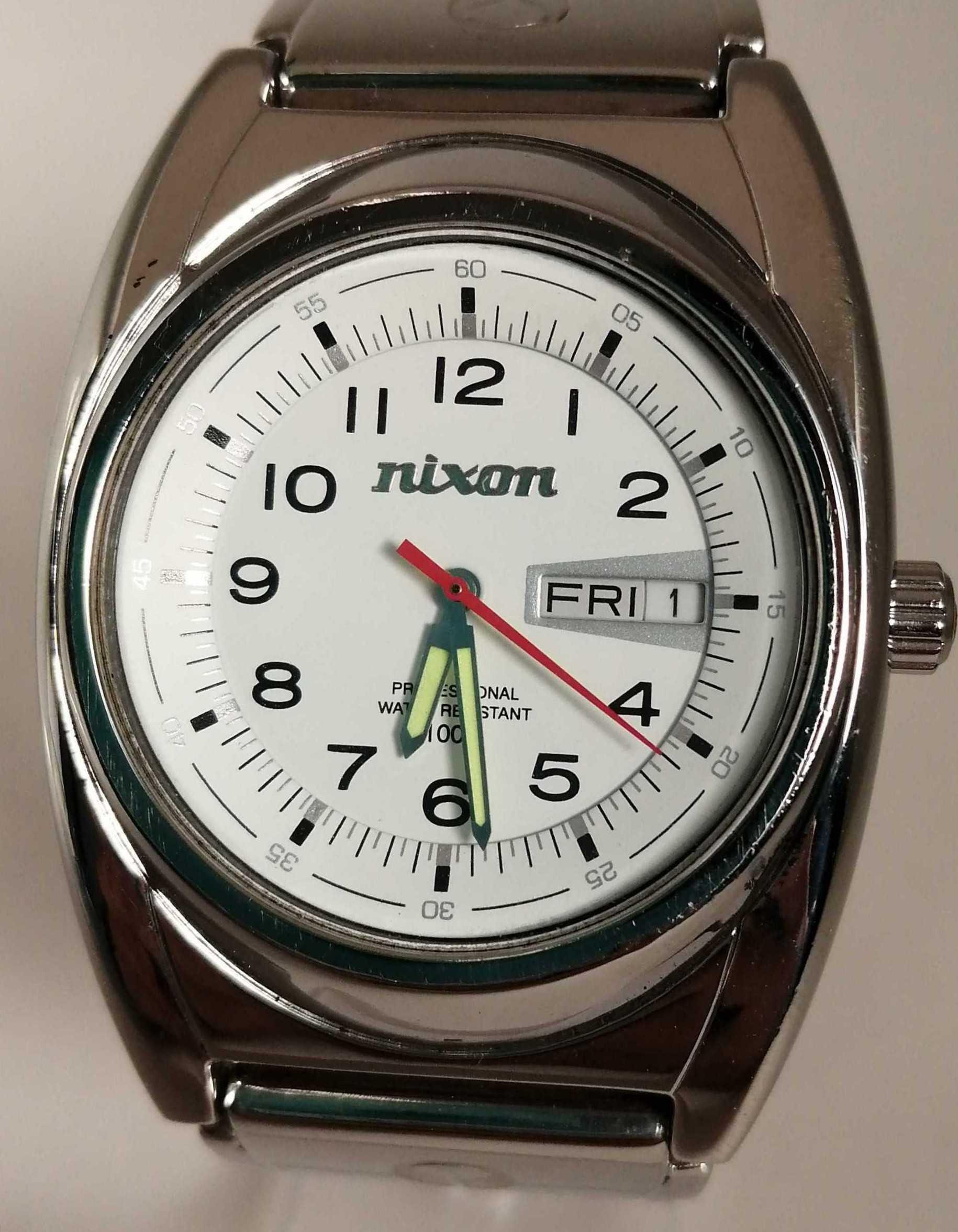 電池切れ 腕時計|NIXON