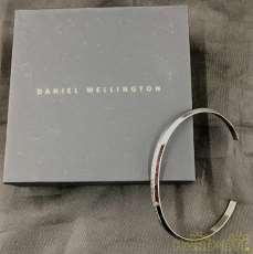 ブレス・バングル Daniel Wellington