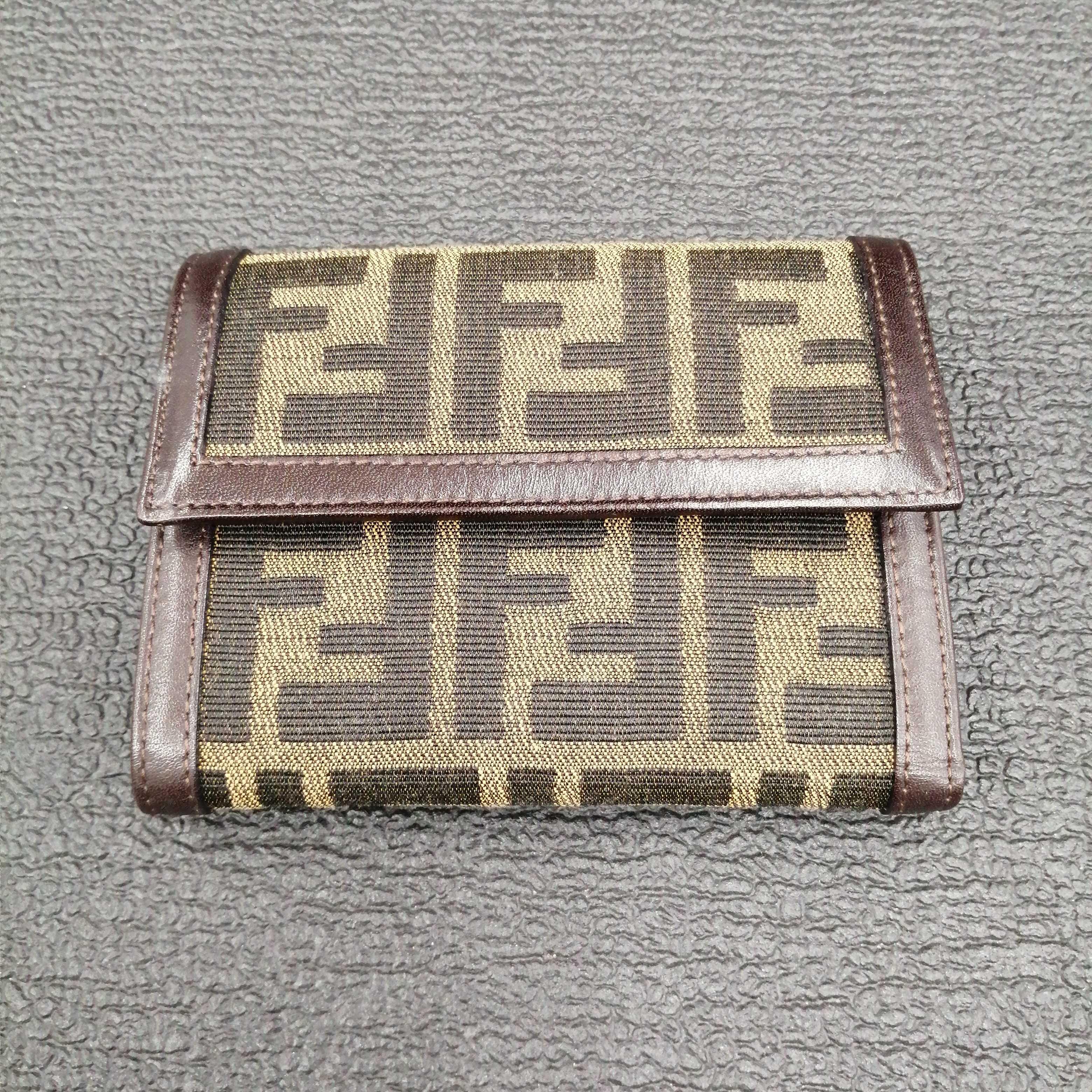 財布 FENDI
