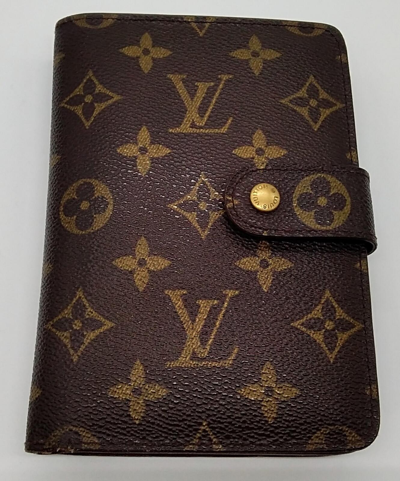 ポルト・パピエ・ジップ パスケース付き 二つ折り財布|LOUIS VUITTON