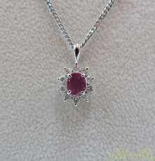 PT850ルビーネックレス 宝石付きネックレス