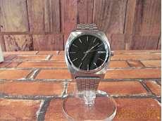 タイムテラー クォーツ腕時計|NIXON