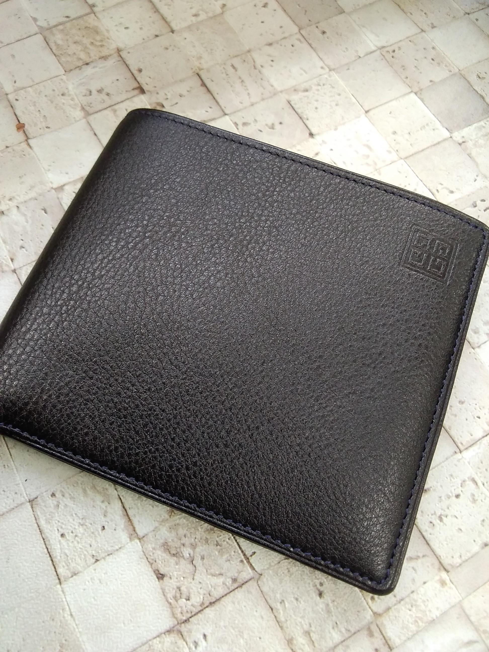 二つ折り財布|GIVENCHY