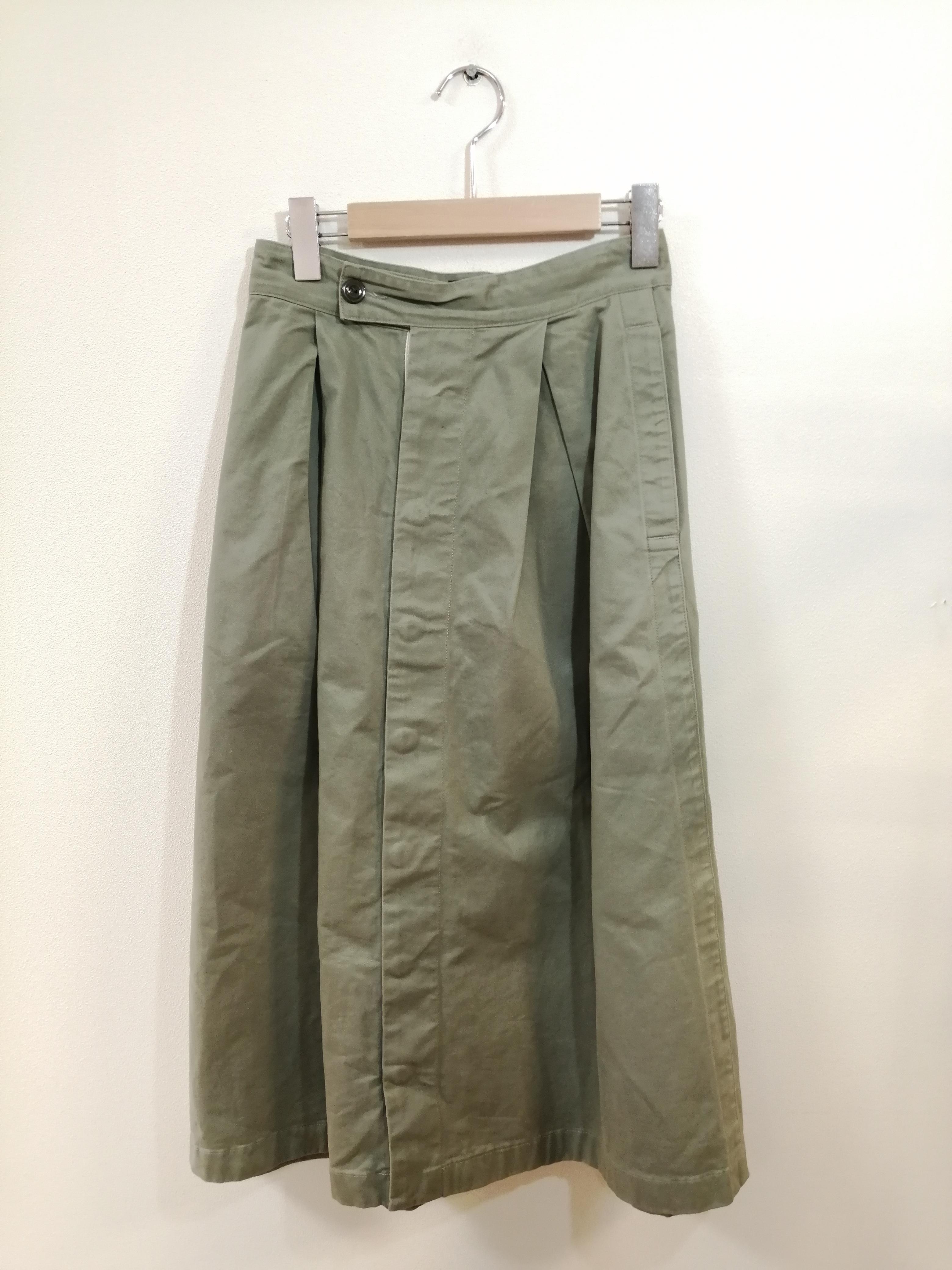 チノ前ボタンロングスカート|GYMPHLEX