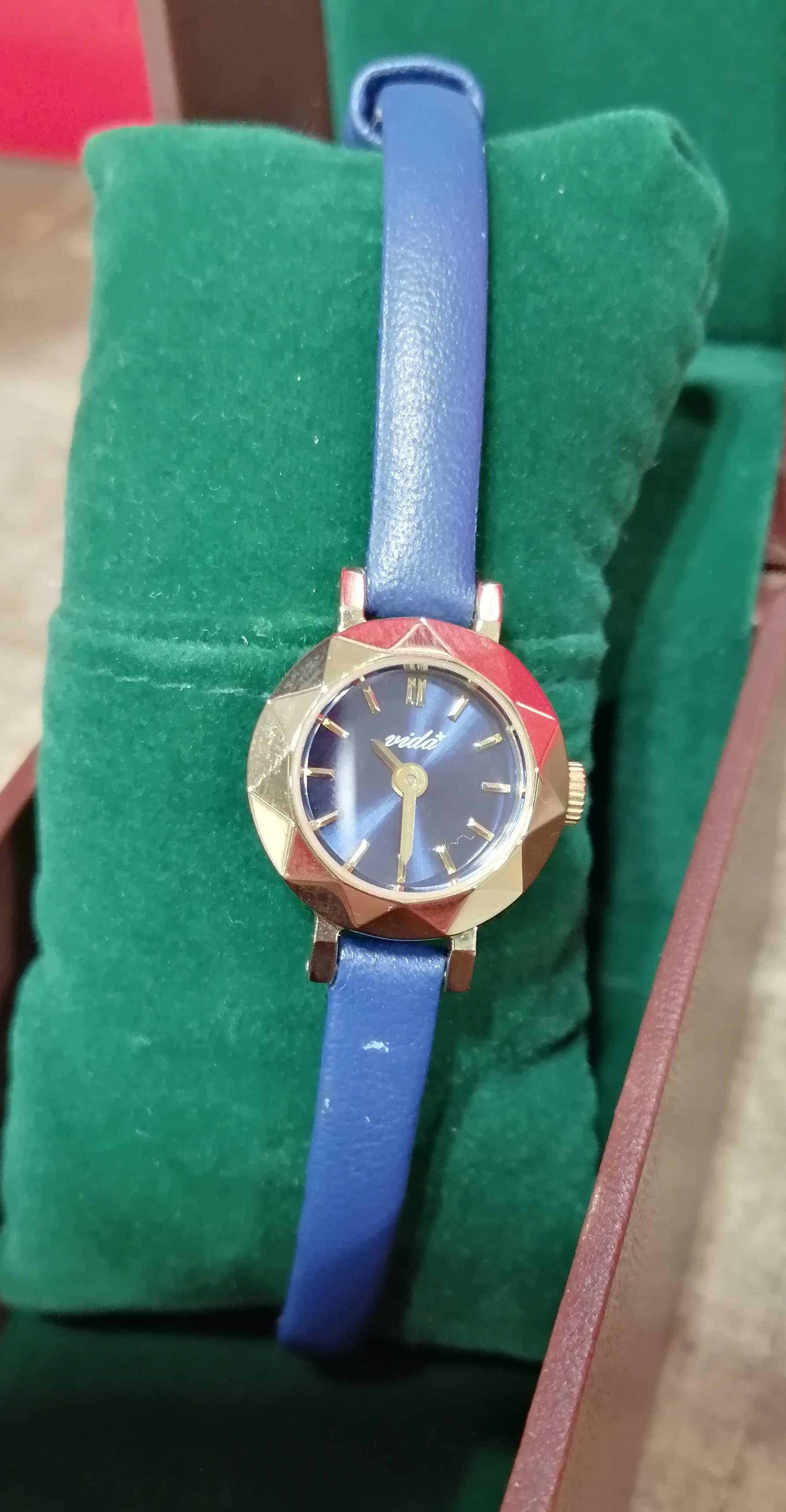 腕時計|VIDA+