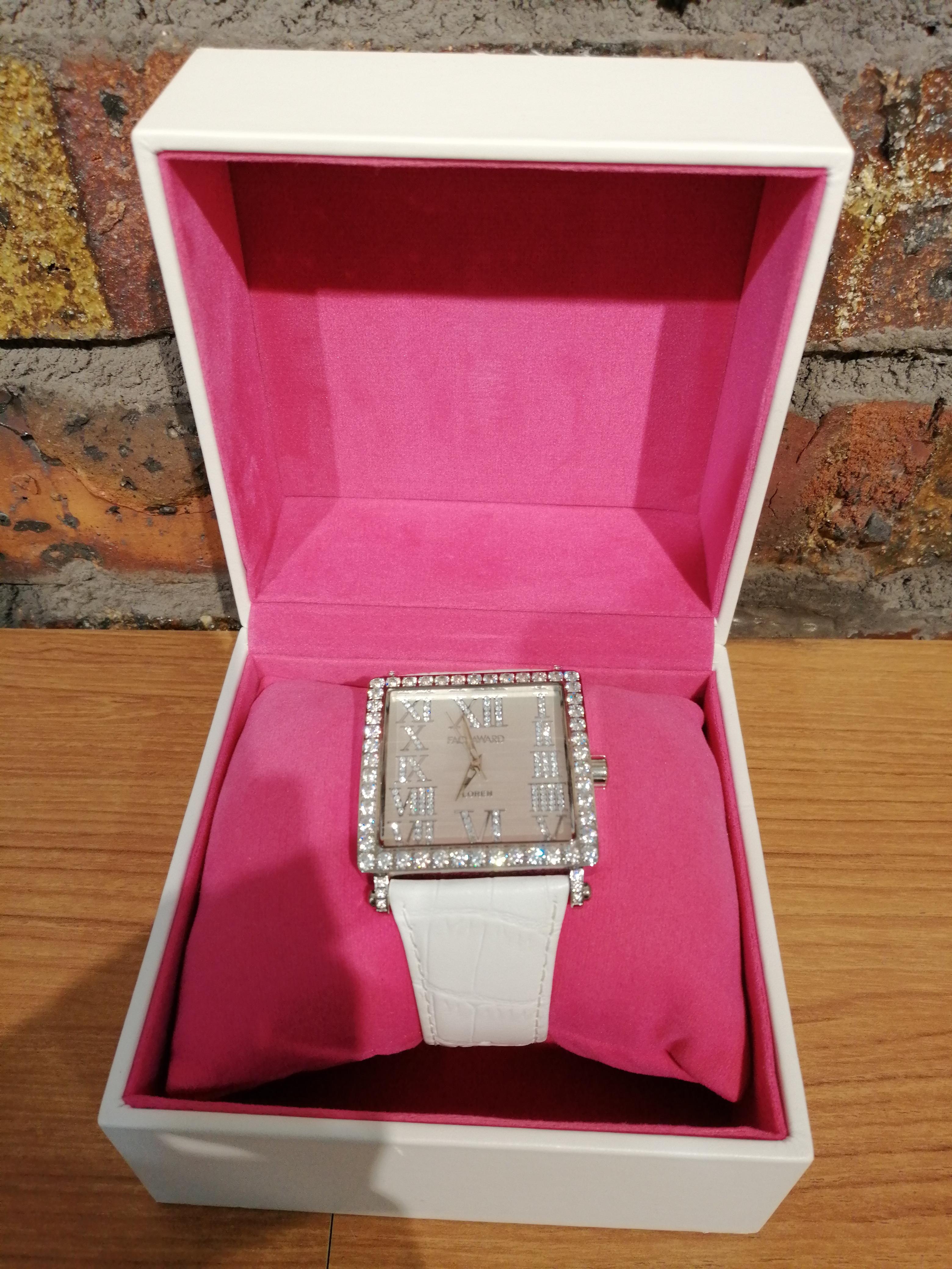 腕時計|FACE AWARD