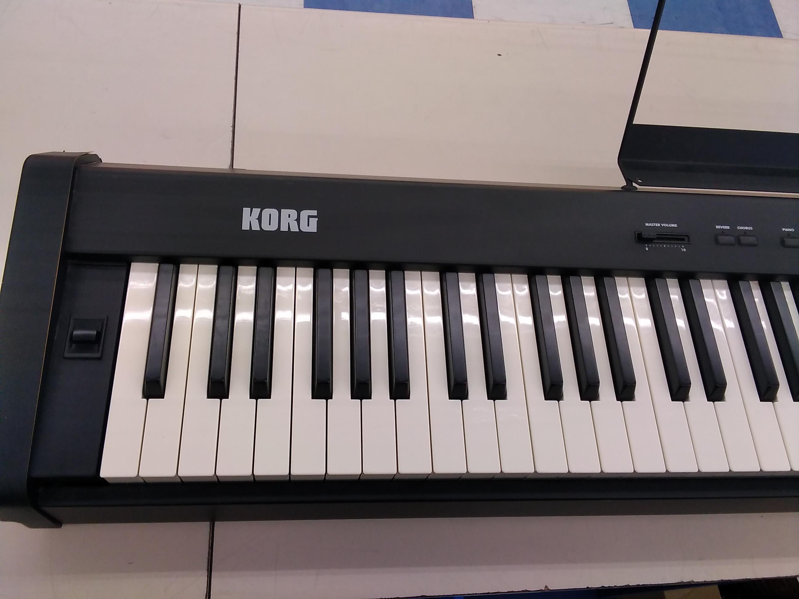 電子ピアノ KORG