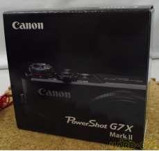 美品 デジカメ 付属品多数 CANON