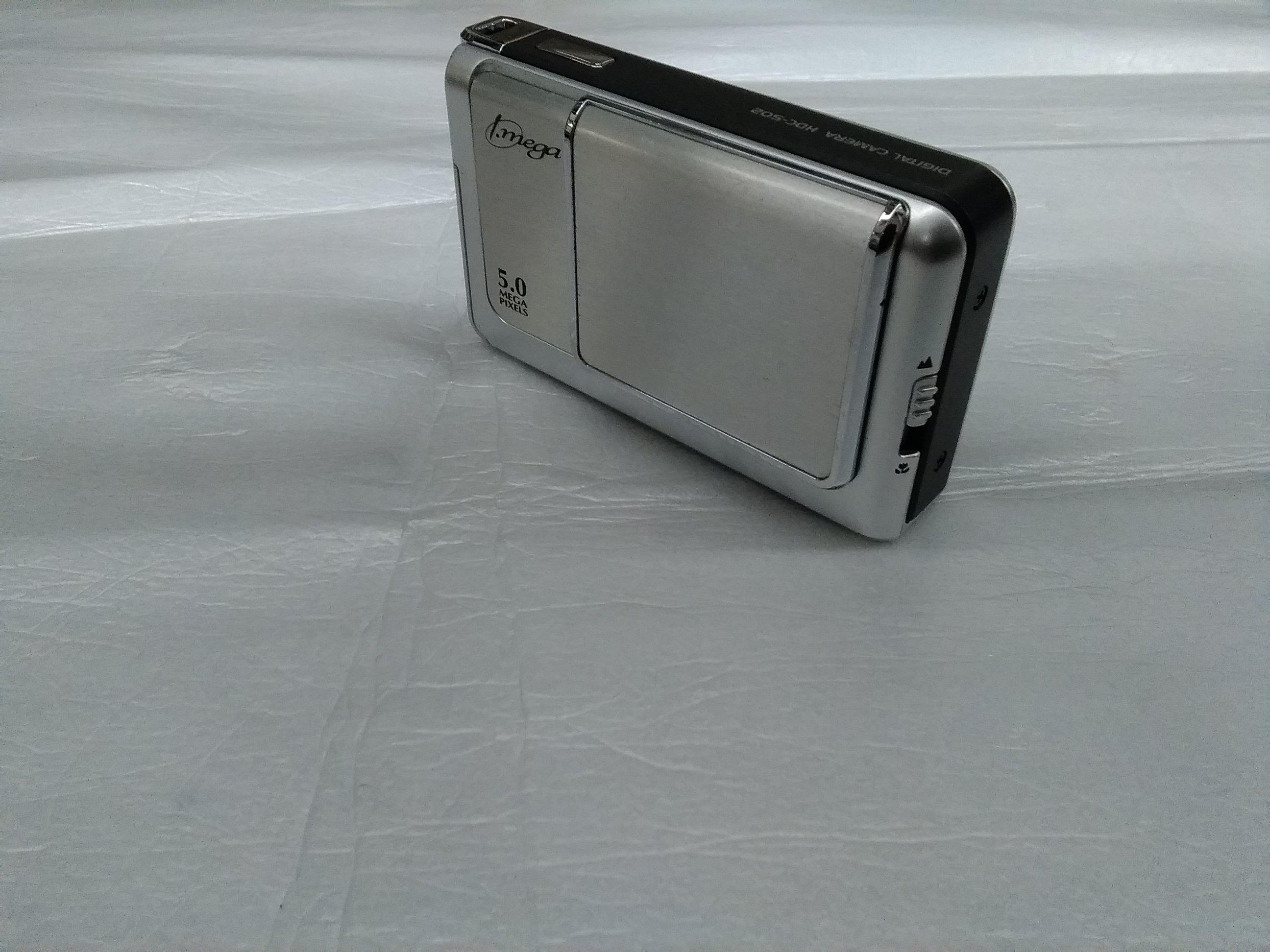 コンパクトデジタルカメラ|HITACHI