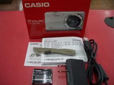 付属品:箱、説明書、ACアダプタ、USBケーブル、ストラップ