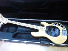 ベースギター|MUSICMAN