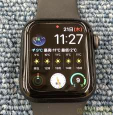 Apple Watch SE 40mm GPSモデル|APPLE