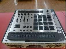MIDIフィジカルコントローラー|M-AUDIO
