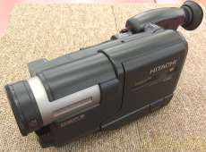 【乾電池式ビデオカメラ】|HITACHI
