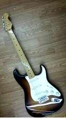 エレキギター ST57