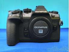 デジタルミラーレス一眼カメラ ボディ|OLYMPUS