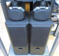 フロア型スピーカーシステム