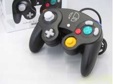 【Switch/WiiU/Wii対応】GCコントローラ(スマブラブラック)|NINTENDO