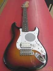 アンプ内蔵ギター FENDER JAPAN