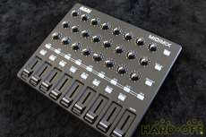 MIDIフィジカルコントローラー|AKAI