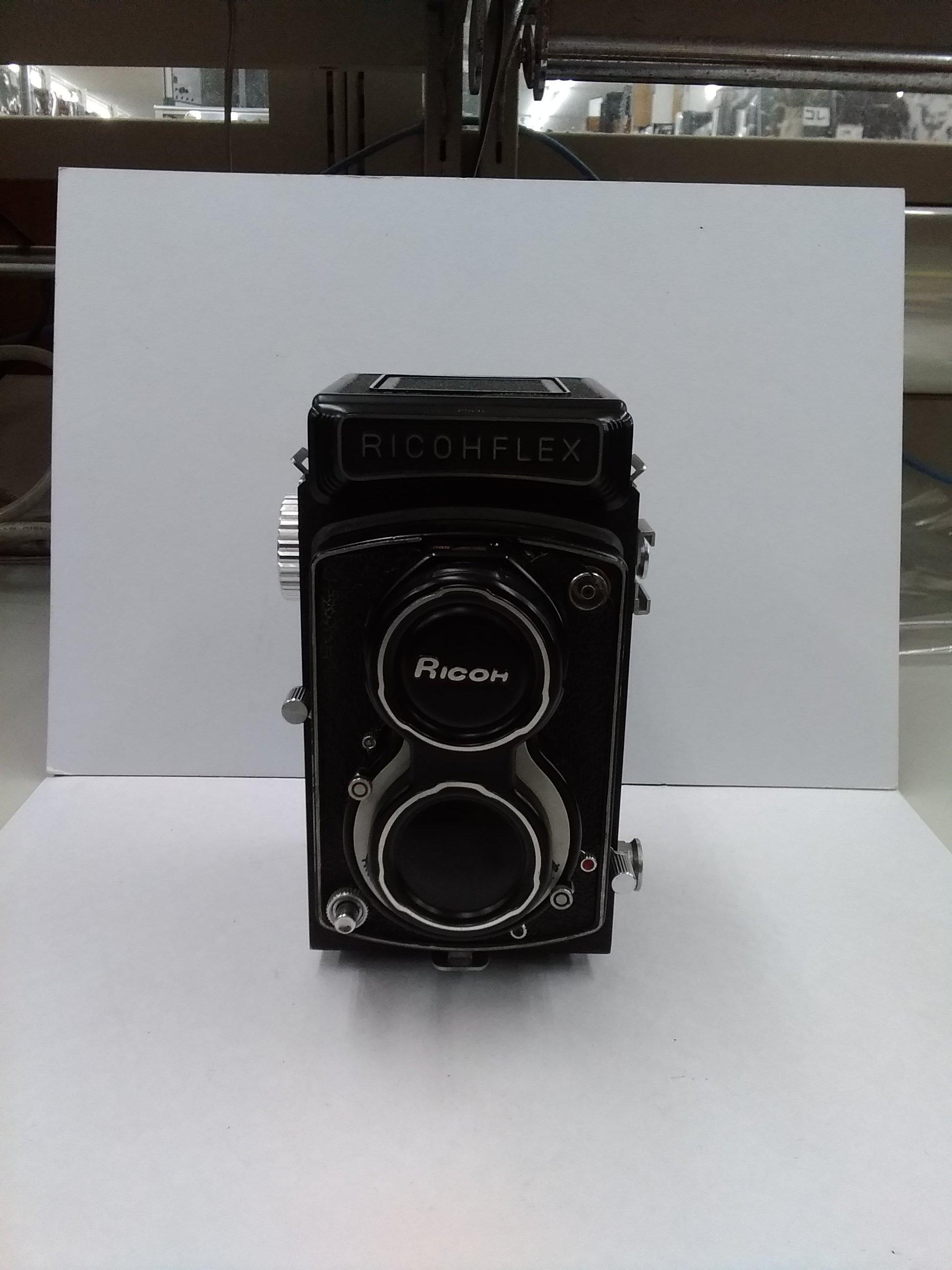 二眼カメラ|RICOH